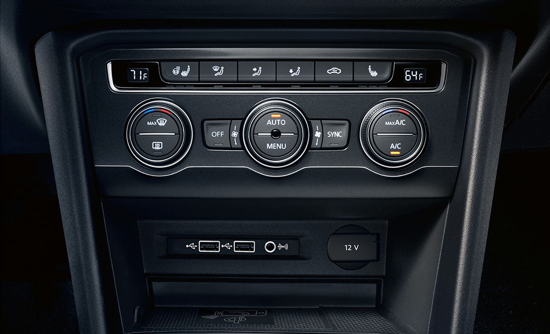 Climate control module in available Titan Black Vienna Leather