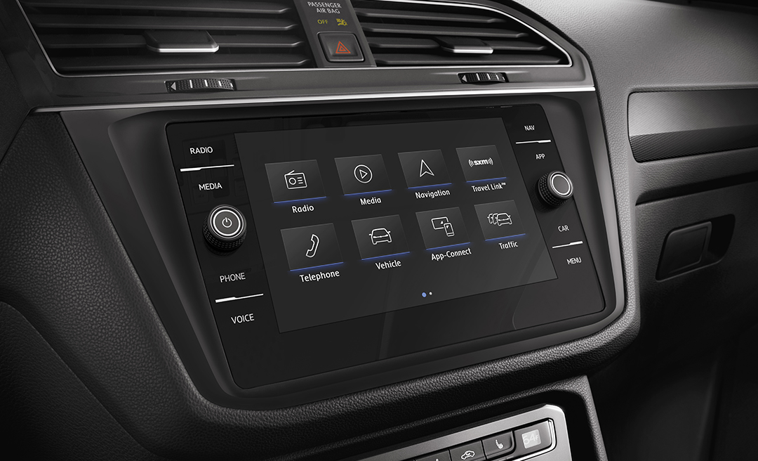 Touchscreen in available Titan Black Vienna Leather interior